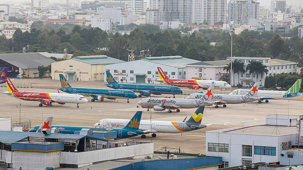 Thời điểm nào phù hợp để mở lại đường bay quốc tế?